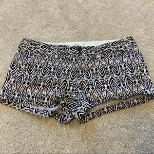 American Eagle outfitters black and white shorts 8